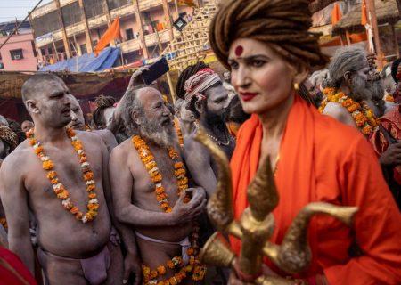 غسل دسته جمعی هزاران هندو در سایه کرونا + تصاویر