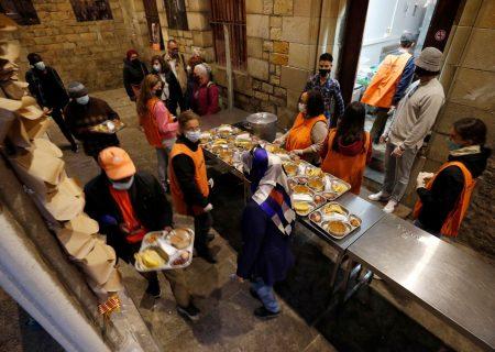 سفره افطار کلیسای بارسلونا برای مسلمانان + تصاویر