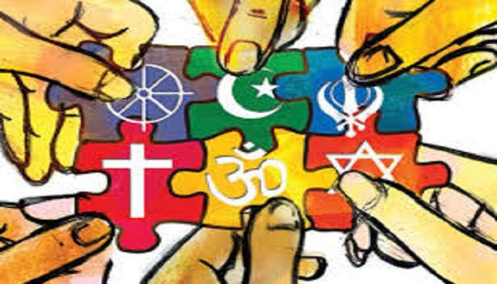 کدام دیدگاهِ فلسفی پدیدۀ تنوّع ادیان را بهتر تبیین میکند؟