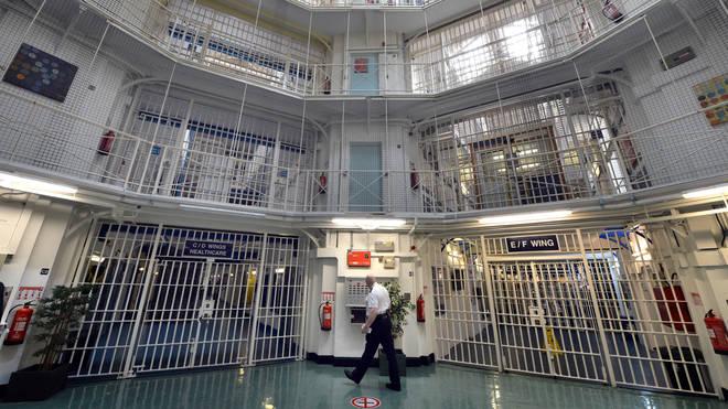 وضعیت هولناک اقلیتهای قومی و مذهبی در زندانهای انگلیس